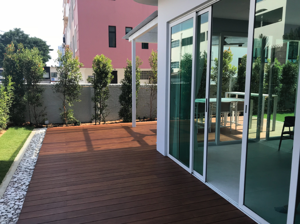 Onewood Decking at Bungalow Balcony